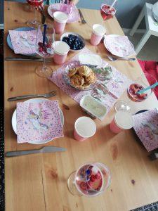 Schöne Tischdekoration lässt sich leicht selber gestalten.